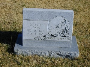 Gaylon Jones, buried in Ryan Township Cemetery, Milan, Sumner County, Kansas