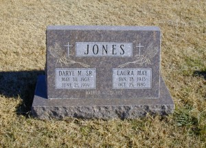 Daryl M Jones, Sr. & wife Laura May Bastien Jones   Ryan Township Cemetery, Milan, Sumner County, Kansas